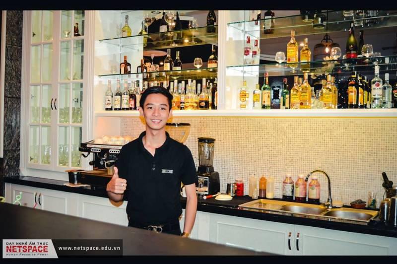 Trần Ngọc Tiến- Chuyên viên Bartender tại Khách sạn One Opera