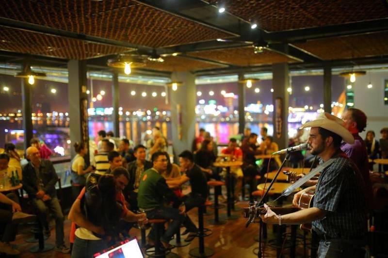Mây Coffee & Bar hút giới trẻ Đà Nẵng